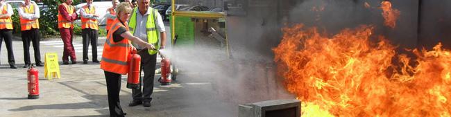 Educations de Cas d'Urgence, de l'Incendie et de l'Evacuation